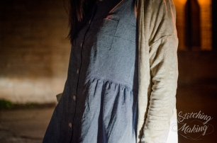 I forgot to take detail shots during the day, so this is with our car headlights...and my Grainline Driftless Carigan!
